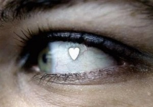 New Fad of Implanting Jewelry in the Eye: Stupid or Trendy?