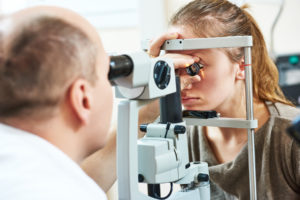 The Difference Between a Comprehensive Eye Exam and a Regular One