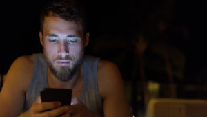 How Smartphones Are Causing Presbyopia in 20 to 30-Year-Olds Image